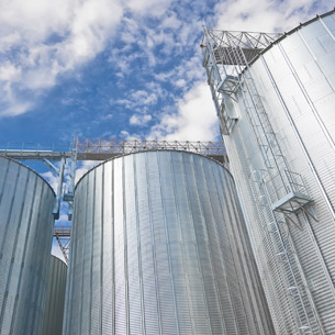 Storage silos for agricultural products